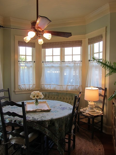 24 Best Images About Breakfast Nook On Pinterest