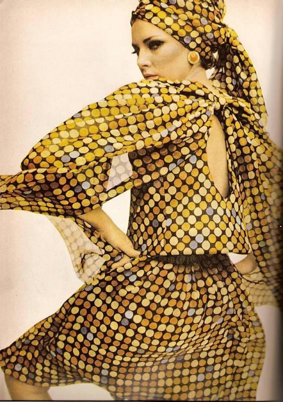 Bazaar March 1965-Paris Collections: Marching 1965Pari, Paris Fashion, Fashion Street Style, 1965Pari Collection, Vintage Fashion, Harpers Bazaars, Vintage 70, Retro Vintage, Bazaars Marching