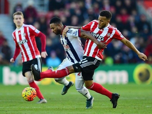 Ryan Bertrand signs new long-term deal with Southampton #TransferTalk #Southampton #Football