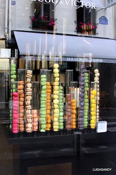 Hugo Victor Paris macaron tubes