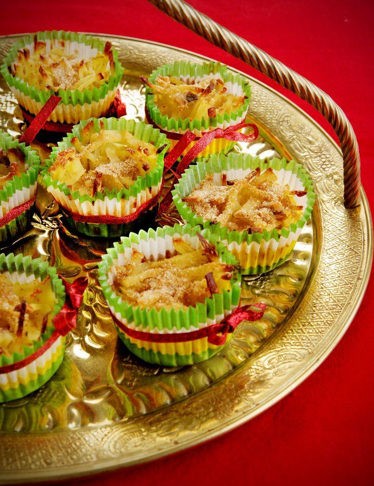 Använd söta muffinsformar för att göra portionsvarianter av Janssons frestelse.