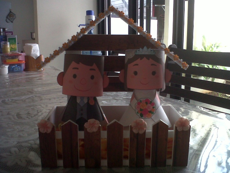 paperdoll wedding couple in wood fence *people's favorite* ^^