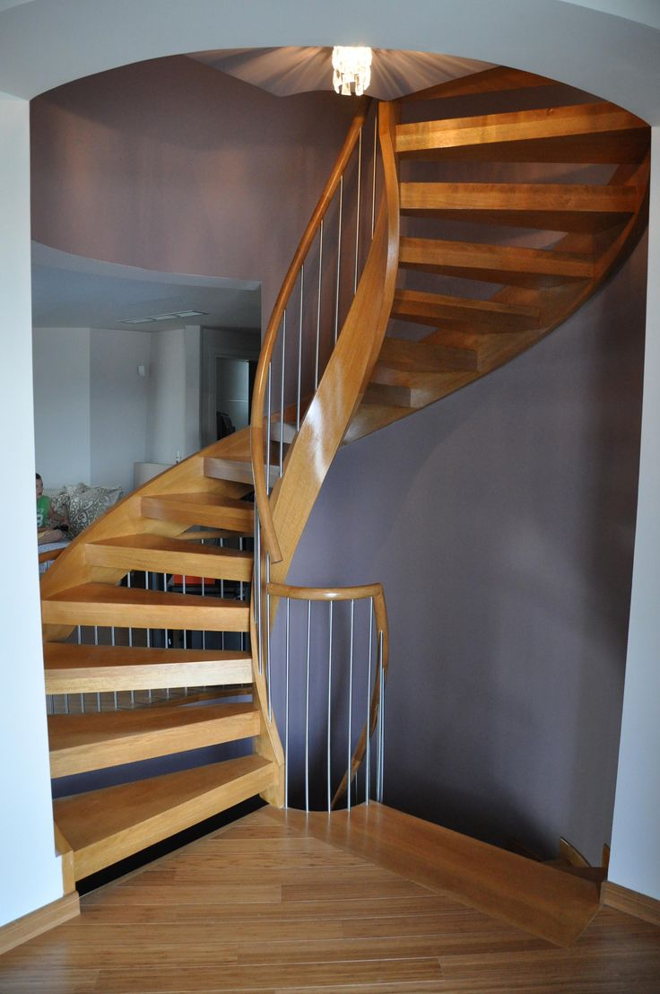 Best Wooden Stair Helical Stringer Handrail Private 400 x 300