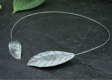 Kesä ja Lehdet!  #summer #leaves #uniquejewelry #finnishdesign #koruseppä #anuek #kerava