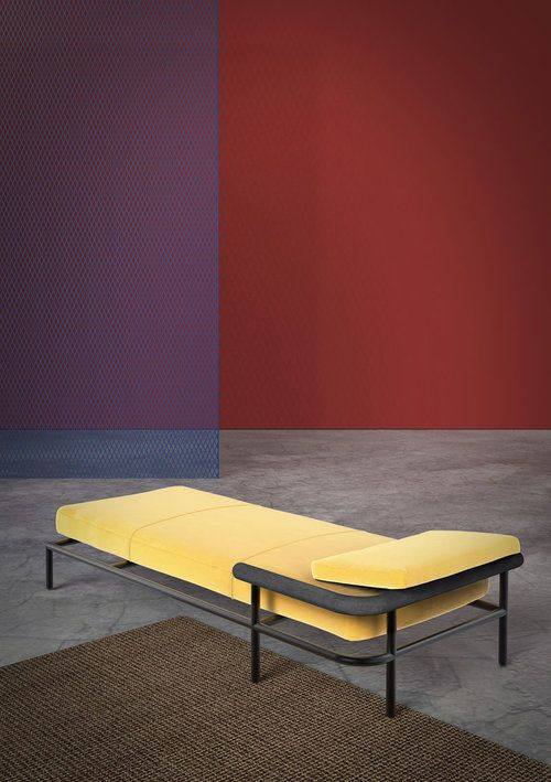 The 'X-ray' daybed by Alain Gilles for La Chance.