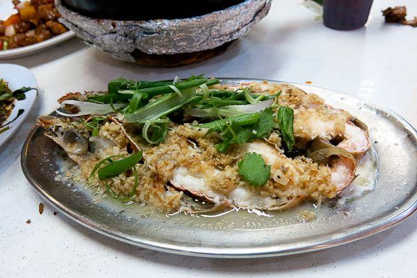 Garlic seafood at Singapore hawker center - Fruits de mer à l'ail - Singapour