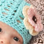 Free crochet baby hat patterns.  Can't wait to make one of these for my preemie.  I like the bear hat, and the dino the best for a little boy.  Adorable.