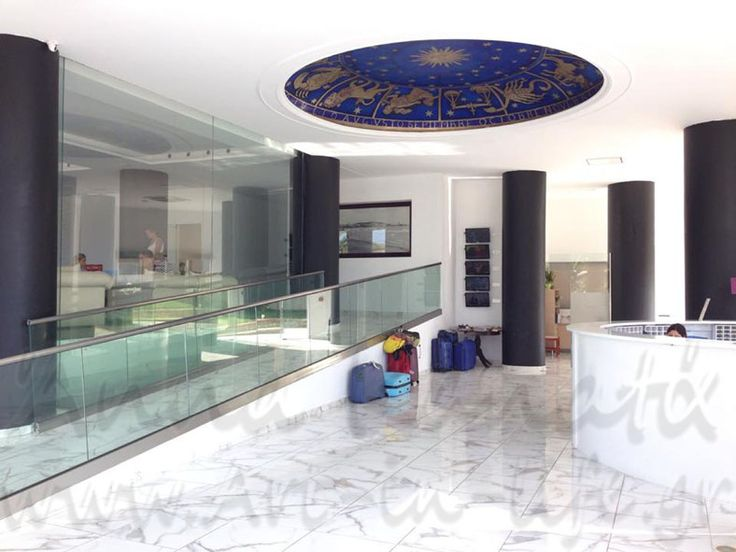 Art - in - Life : Έργο_8ε: Ζωδιακός κύκλος_ στο lobby του Rethymno Residence hotel