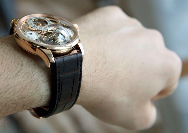 Zenith Academy Christophe Colomb Hurricane Watch Hands-On