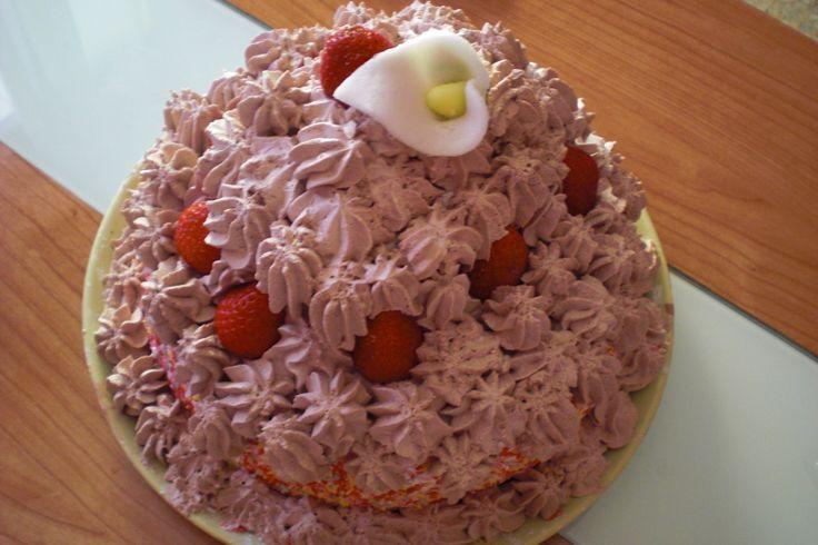 Cream Cake, Chocolate and Strawberry! Delicious!  Tarta de Nata, Chocolate y Fresas! Deliciosa!