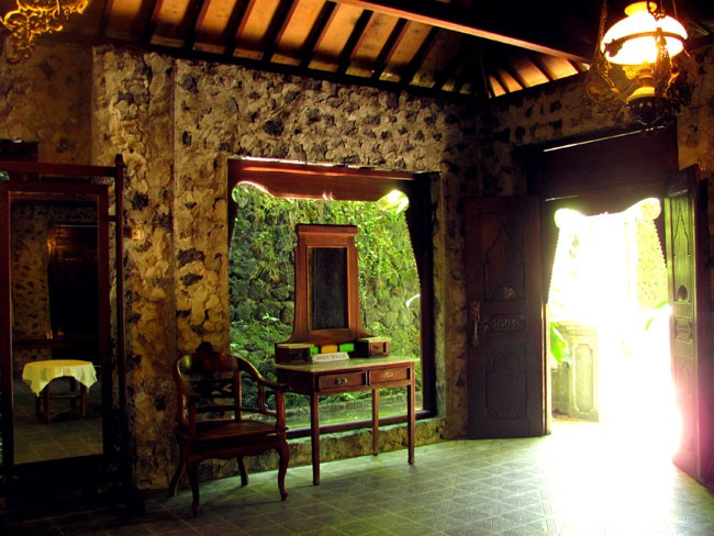 museum ullen sentalu // a must visit, worth every penny.