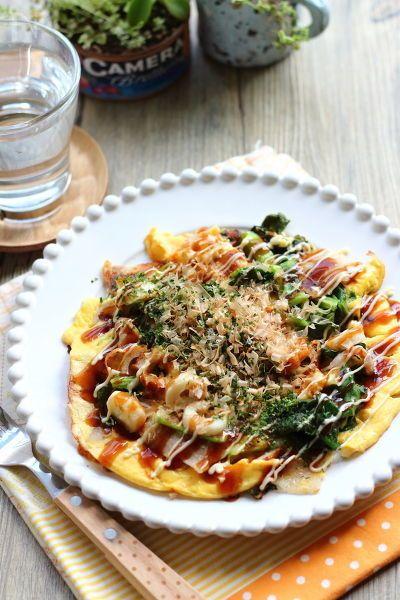 こまつ菜をたっぷり加えて、フライパンで簡単に作るお好み焼です。粉類や山芋を練ったりせずに、卵液に顆粒だしを加えて 簡単に手早く作ります。