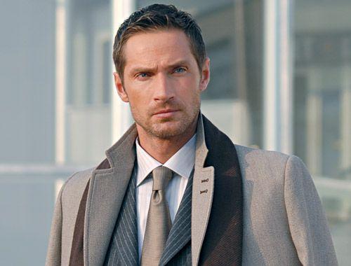 Vandine es vestuario exclusivo con ropa de vestir formal y casual para el hombre directamente desde Italia.  20% En toda la tienda  www.vandine.cl/