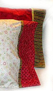 Serger - Roll It Up Pillowcase with Piping Patchwork - free pdf instructions by Bernina