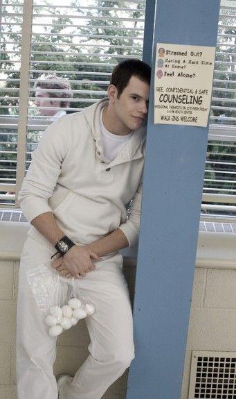 Emmett Cullen hahahaha love this free counseling lol emmet :)