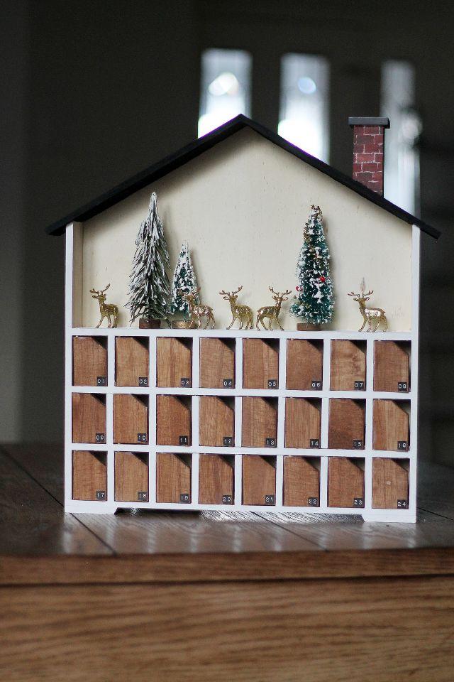 Chris Loves Julia: Our Advent Calendar + Ideas