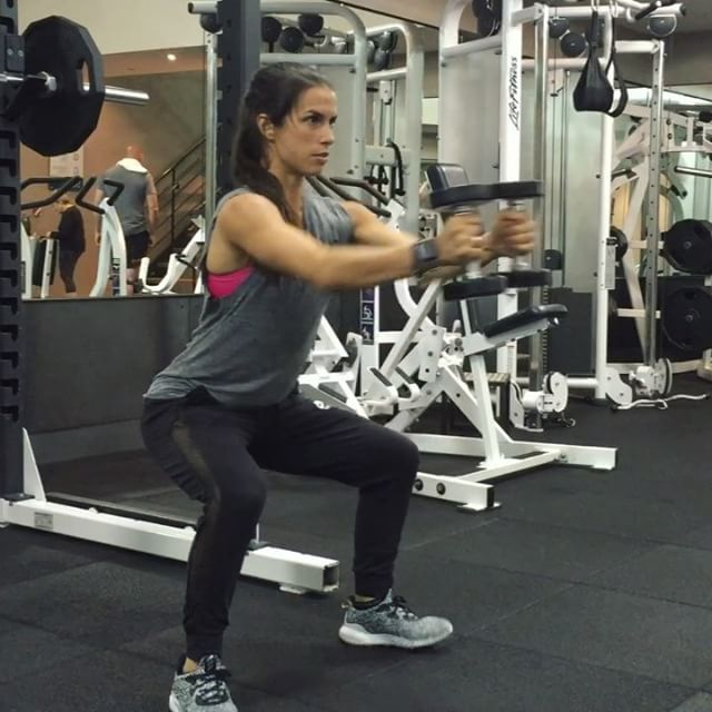 // DUMBBELL COMBOS ✖️ FULL WORKOUT ✖️ LEGS ⚡️⚡️ // FORMAT: 8 exercises, 30 seconds of each exercise, repeat each 3x. EXERCISES: Deep squat w curl to straight press • Seated overhead press w kick out • Deep squat plate rotation • Burpees • Dumbbell seated toe punch • Weighted reverse lunges • Deep squat cross punch • Single leg alternating row. Tag a friend and let me know if you try it!! #fitfam #fitchicks #workoutvideo #exercisevideo #legday #dumbbells #bodyshopstrong