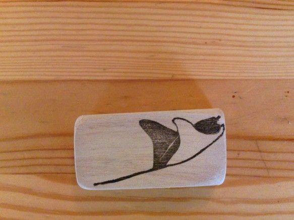 オニイトマキエイの消しゴムはんこです3x6cmの木材持ち手がつきます|ハンドメイド、手作り、手仕事品の通販・販売・購入ならCreema。