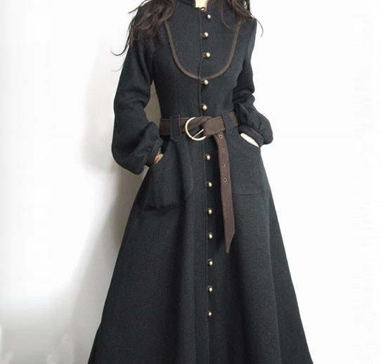 beautiful coat!! love all the buttons....