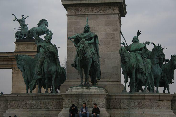 new heros, Budapest