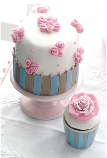 match cupcake with minicake