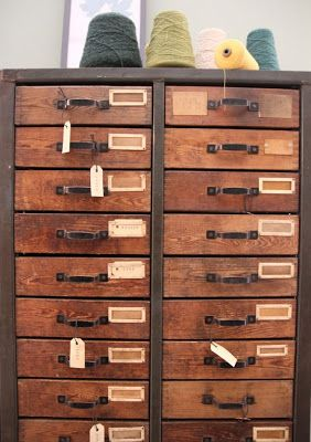 Incroyable I Would Love To Have A Set Of Multiple Drawers Like This Or A Card Catalog.