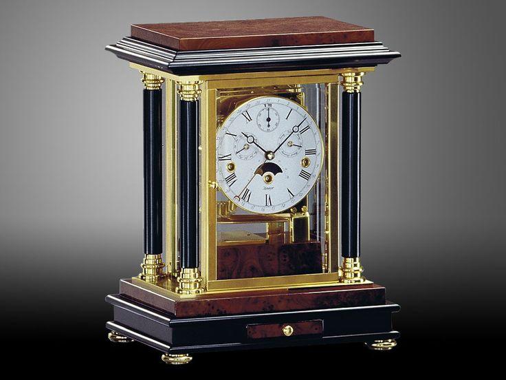 Настольные часы: особенности и виды
