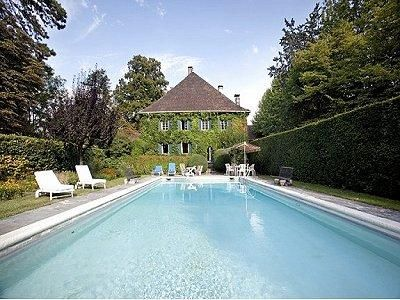 Annecy  11 bed. £1.8m Jan 2015