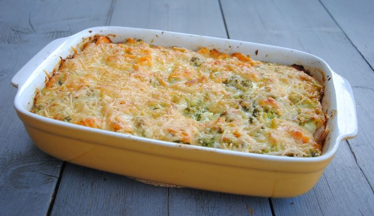 Ovenschotel met zoete aardappel en broccoli. Vega. Lekker en simpel te maken. www.gezinsleven.com
