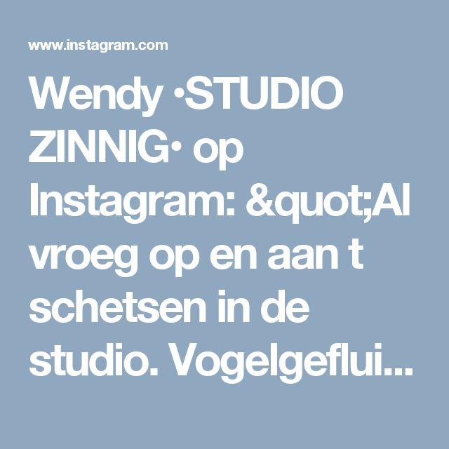 """Wendy •STUDIO ZINNIG• op Instagram: """"Al vroeg op en aan t schetsen in de studio. Vogelgefluit erbij en verder geen geluiden..fijne zondag!🎶 _____________________________________________ #kijkjeindetuin #tuininspiratie #tuin #interior123 #interieurontwerp #buitenleven #buitenwonen #tuinleven #zwart #zwartwitwonen #terras #outside #garden"""""""