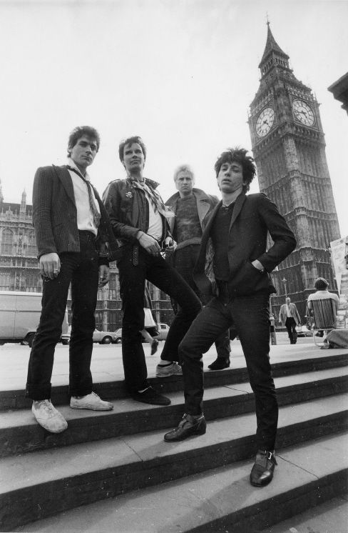 Johnny Thunders & The Heartbreakers – The most exciting live band I have ever seen (3 times on the Anarchy In The UK tour)