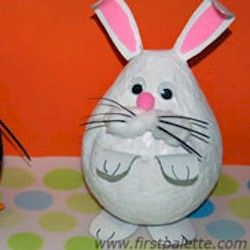 I've stayed away from paper mache because of the mess factor, but the kids would have so much fun making this little bunny for our Easter decorations. Besides, MeSs ALWAYS = FUN :-)