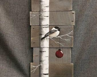 Kerst Winter teruggewonnen Wood Pallet Art, laat het sneeuw, Hand painted Pine tree, Christmas decorations, upcycled shabby chic,  Origineel Acryl schilderij op geregenereerde pallet boards.  Dit unieke stuk is 5 1/2 x 17 hoog. Het is een leuke, persoonlijke touch toevoegt aan uw kerst decor of een grote gift voor leraren.  Al mijn creaties zijn gemaakt van geregenereerde boards. Ze worden met de hand geschilderd en worden gemaakt nadat ze besteld zijn.  Hoewel ik probeer te dupliceren…