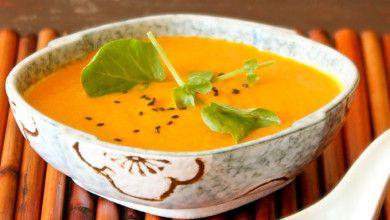 Em 2016 escolha uma alimentação mais saudável e equilibrada...Experimente esta sopa super nutritiva e deliciosa!!! #Sopa_Detox_de_Abóbora_e_Gengibre #receitas #sopas #entradas #abóbora #gengibre