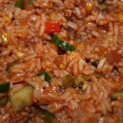 'De altijd zomerse' koude salade met kip, chorizo en rijst