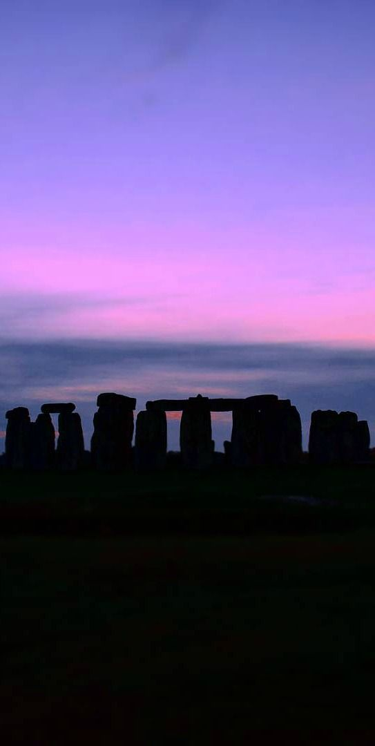 Stonehenge is magical and if you haven't been you need to put this on your bucketlist fr this year!