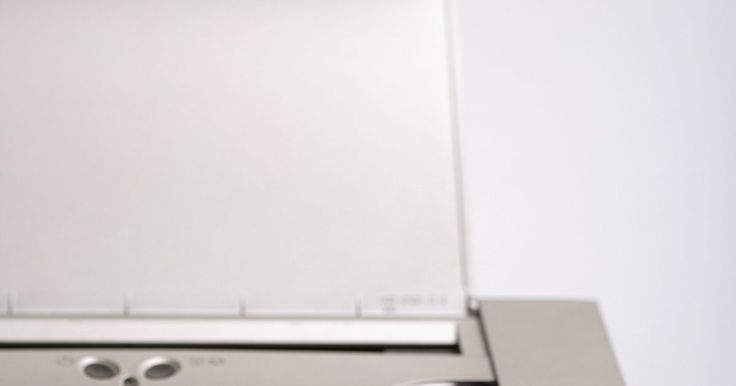 Como testar o sensor indicador da impressora HP. Às vezes, a impressora Hewlett-Packard pode exibir uma mensagem de erro de atolamento de papel no painel de controle, mesmo que isso não ocorra. Se acontecer, o sensor indicador precisará ser testado. Quando ele funciona de forma errada, é porque está sendo empurrado para trás ou detritos estão presos debaixo dele. Depois de limpar completamente o ...