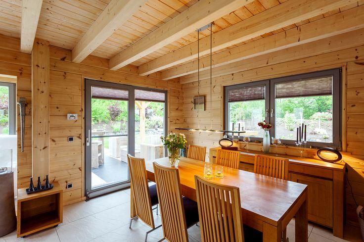 mehrgeschossiges modernes Holzhaus - Holzhaus Münsterland von Fullwood Wohnholzhaus