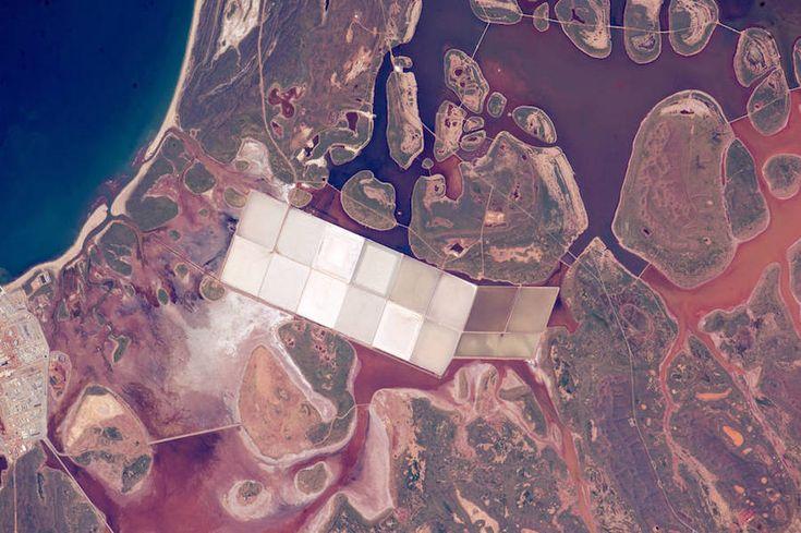 Najlepsze zdjęcia NASA w 2015 roku: stawy soli w Australii, 11.06.2015