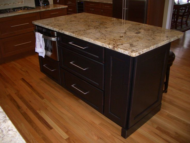 Majestic Kitchens And Bath Designer Roberto Leira Cabinetry Cabico Z 153 C In A Maple Wood