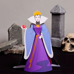 Snow White`s Evil Queen Paper Doll - by Disney Family Go - The Evil Queen, from Snow White classic animation, in a beautiful paper doll version, by Disney Family Go.