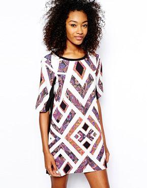 Vero Moda - Robe droite à imprimé aztèque