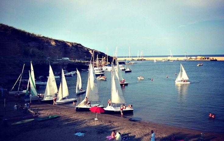 La nostra base nautica si anima di pomeriggio con le attività i vela. #corsidivela #LNV2014 #estate2014