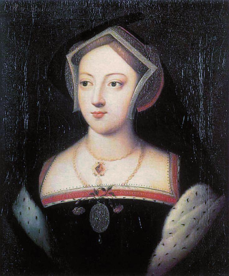 16世紀テューダー朝貴族女性。メアリー・ブーリン。 GableHood(ゲーブルフード)=女性の髪飾り。切妻型の形をしている。(切妻造(きりづまづくり)とは屋根形状のひとつで屋根の最頂部の棟から地上に向かって二つの傾斜面が本を伏せたような山形の形状をした屋根。 広義には当該屋根形式をもつ建築物のことを指す) 16世紀イングランド。 フレンチフードは丸みを帯びた形状が特徴であるフード。髪形の上に着用され、背面に黒いベールが取り付けらている。着用時オデコは常時見えていた。 ヘンリー8世の2番目の妻であるアン・ブーリンがフランスから持ち帰り、イギリスに導入された(アンは新興富裕階級の純粋なイングランド人だが、フランスで教育を受けフランス宮廷に仕えていた)。 アンの死後、フレンチフードは後妻ジェーン・シーモアによって拒否・廃止されGableHoodへと変遷を遂げたが、ジェーンの死後、再びフレンチフードに戻った。 メアリー・ブーリン - Wikipedia