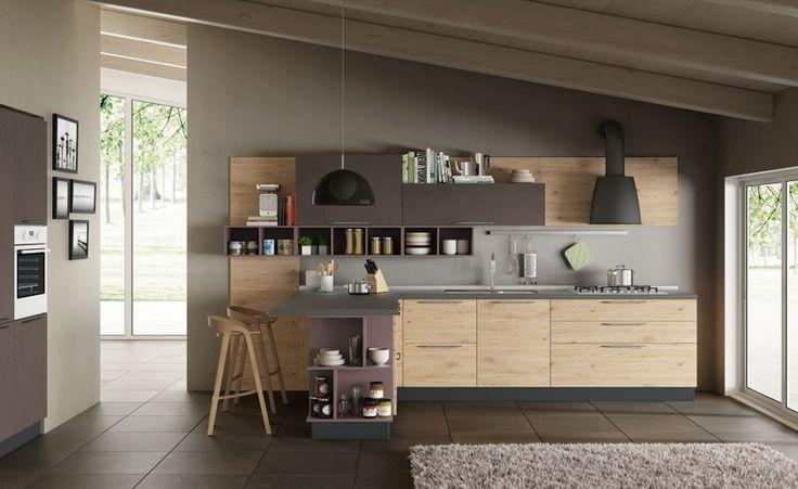 ORIGINALITÀ ED ESTETICA INCONTRANO L'OTTIMIZZAZIONE DEGLI SPAZI. Si può essere originali anche percorrendo la strada della semplicità, proprio come il design studiato per la cucina Maila. Lineare e pulita nelle forme, calda e...