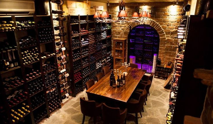 In a special place, on the busy street of #Kanari in #Alexandroupolis, is housed #Kelari_Pro, which devotes all its activities and services to wine! The dishes offered are exquisite, selected according to their quality and come from local and famous producers! With WeGreek card you get a discount for your meal in the restaurant!