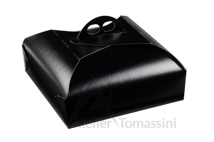 Nero #packaging #ateliertomassini #portatorte #pasticceria #scatola #pastry #bakery #design #politenata #politenate #imballaggio #bakery #PE-protect