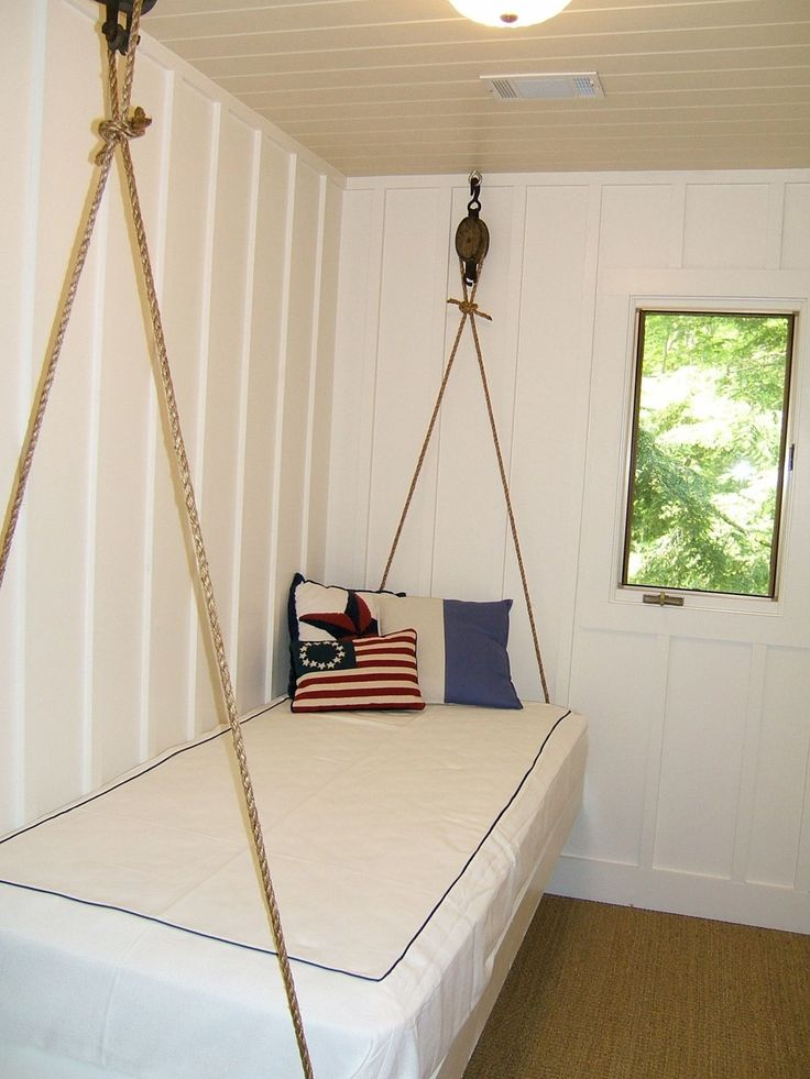 Lake cabin decor...great idea for a lakehouse bed. Would look so good in my sunroom.