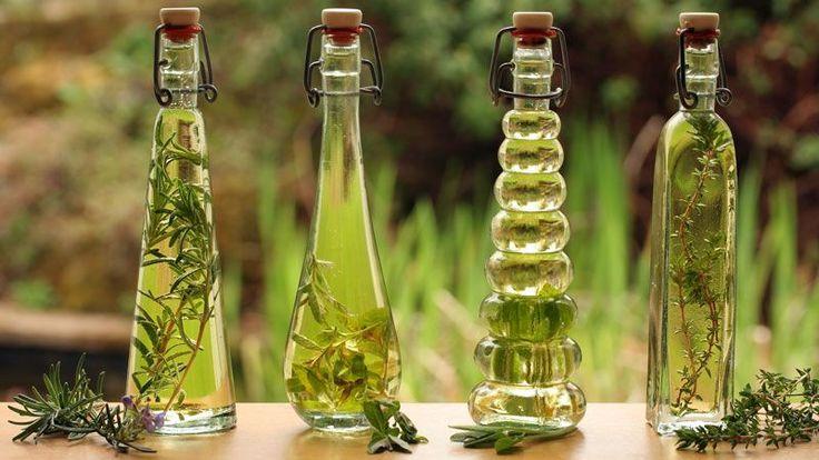 O zázračných účinkoch olejov na telu a krásu ste už iste počuli. Pripraviť si ich môžete aj doma a my prezradíme, ako na to!