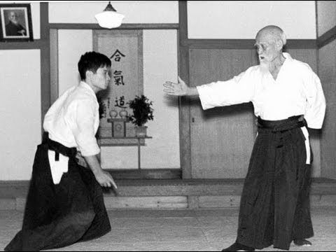 Aikido Techniques - Morihei Ueshiba 植芝 盛平 - Old Japanese Documentary PART 2/2 - YouTube